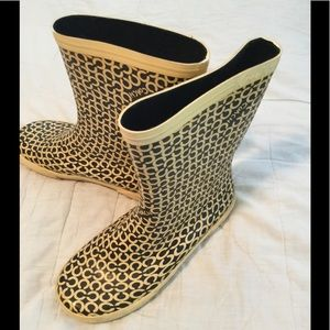 Coach rain boots short yellow size 8